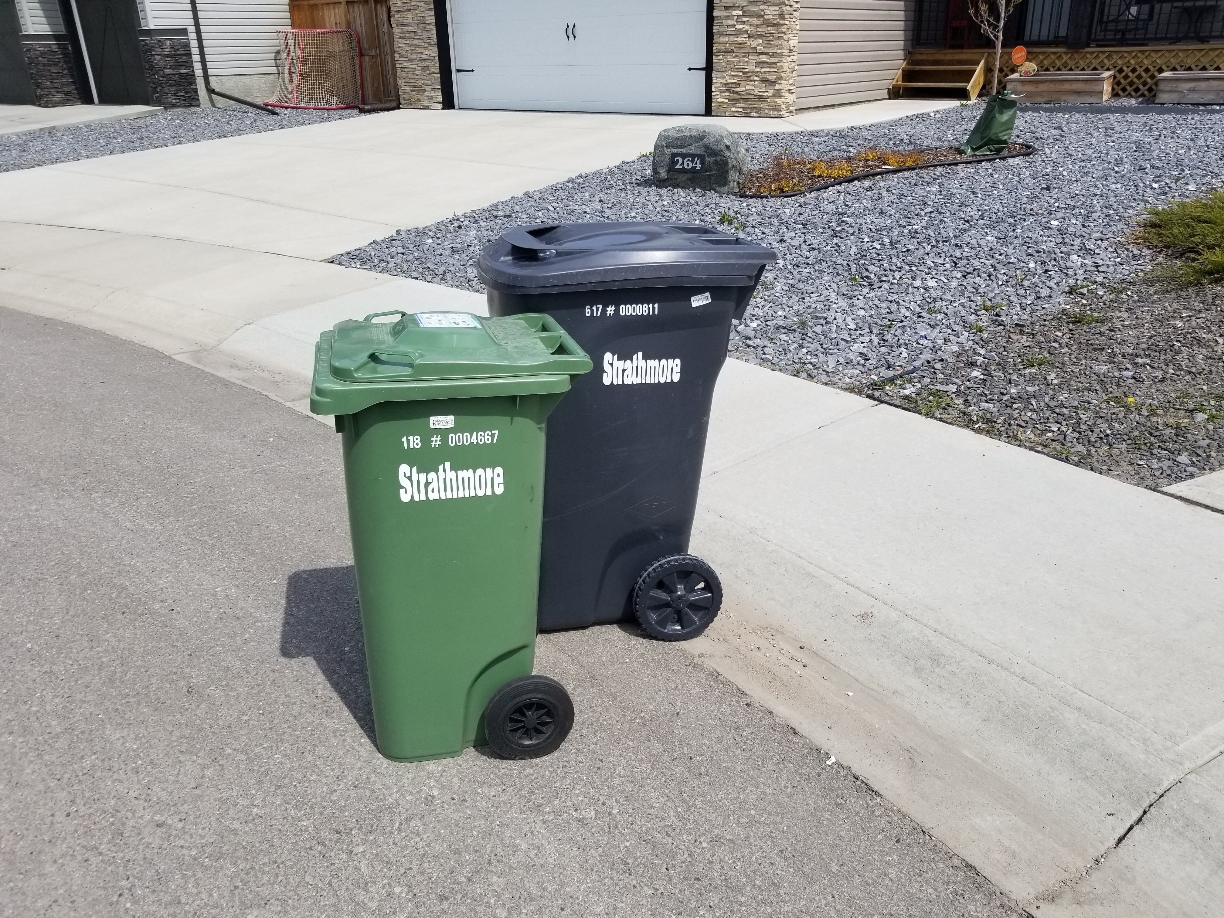 Strathmore Curbside Garbage and Composting Pickup – Strathmore